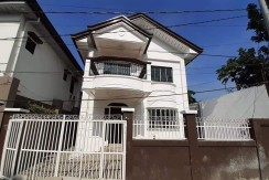 FOR SALE House and Lot at Brgy. Ligid-Tipas, Taguig City